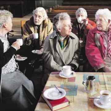 Starije osobe sa aktivnim društvenim životom imaju zdravija pluća