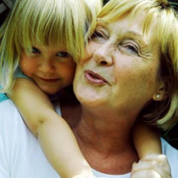 Insitiranje na unucima nije kapric starijih ljudi, već iskonska potreba