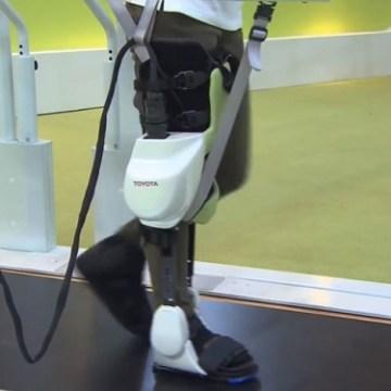 """Robot """"Fili"""" pomaže u rehabilitaciji pacijenata (video)"""