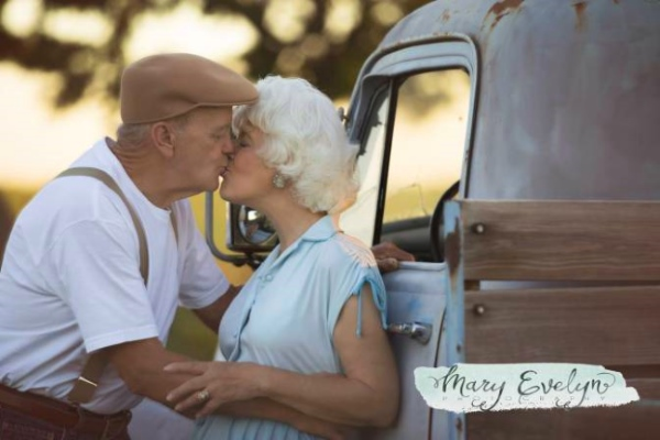 notbook-beleznica-stariji-bracni-par-kamion-poljubac
