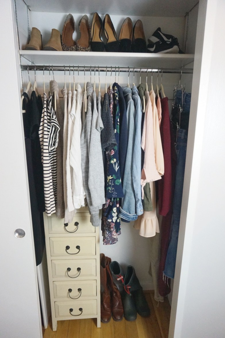 How to Create a Capsule Wardrobe | Dara Boxer Designs @ Peonies and Bees