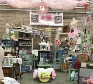 Rustic Mamas Market Booth Display