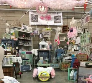 Rustic Mamas Market Booth Display