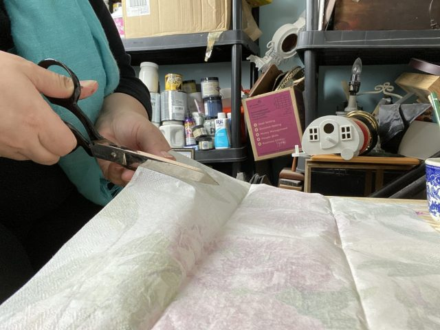trim the napkin