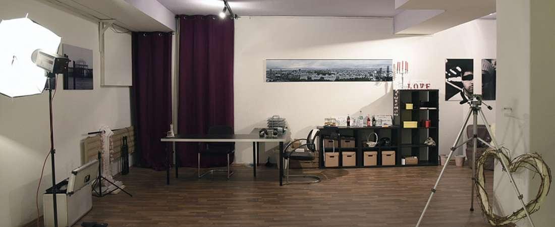 Sicht auf den Arbeits- und Empfangsbereich vom Fotostudio München von People-Pictures am Stiglmaierplatz