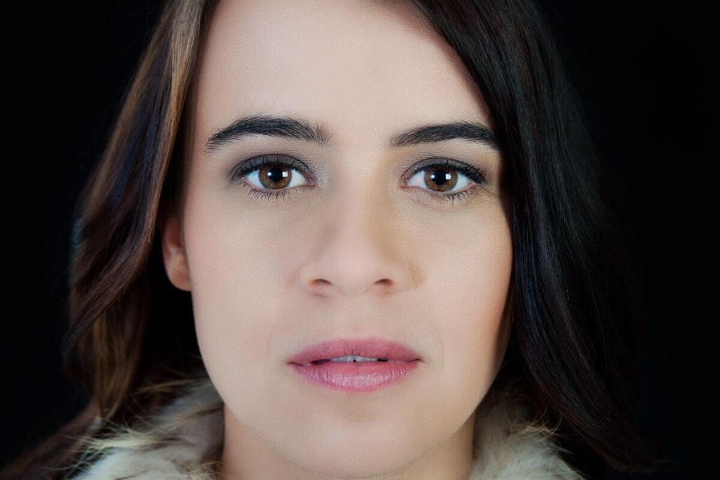 Beispielfoto 1- Sliderimage: Porträt modern weiblich. Beautyshooting Fa