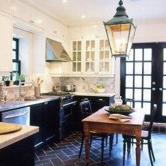Black Kitchen Rugs Wood Cabinets 小厨房扩充妙招 让你看看最新家居 家居 人民网 2015厨房装修效果图 小户型不敢奢望有独立的餐厅 那就把餐厅和厨房合二为一 这样就让小户型也有了足够大的厨房空间 空间大了 感觉也亮堂了 想装修成黑色 系的厨房