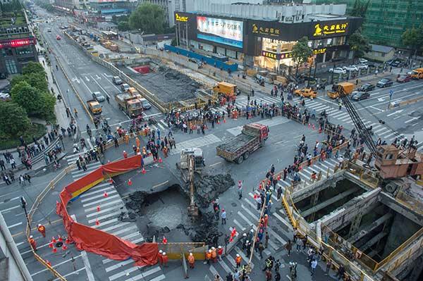 Worldwide praise heaped on city's sinkhole hero