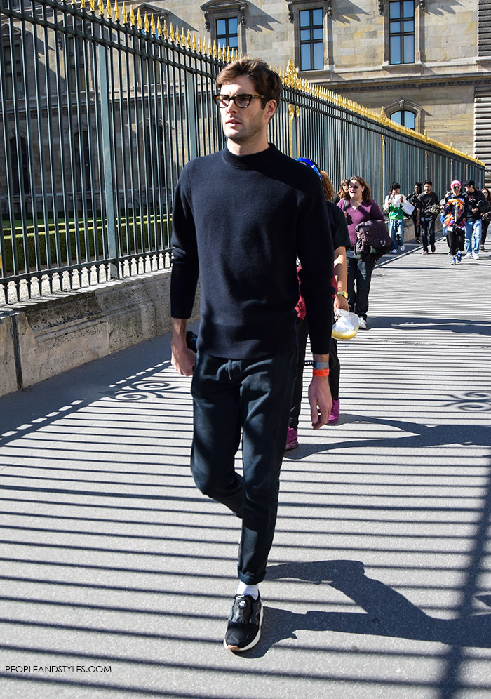 All Black Look for Men with Sneakers