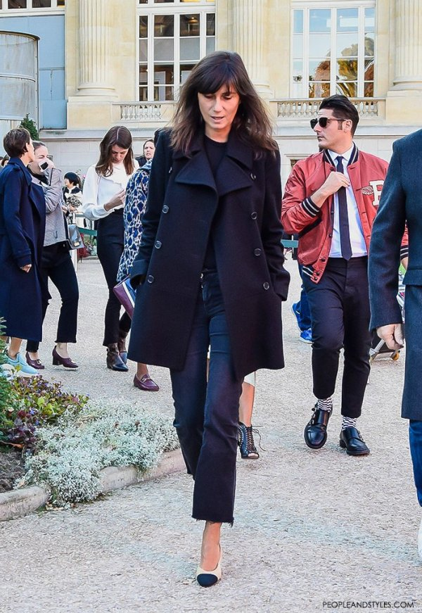 Emmanuelle Alt wearing cropped flared jeans, pea coat and Chanel granny slingbacks, street style look Paris Fashion Week, how to wear flared jeans