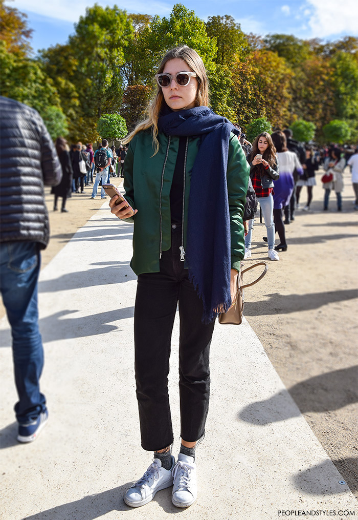 How to wear green bomber jacket, Magdalena De La Torre, what are people wearing in paris? long scarf and white sneakers, sexy look with bomber jacket, street style fashion inspiration from streets of Paris, Paris Fashion Week Spring Summer