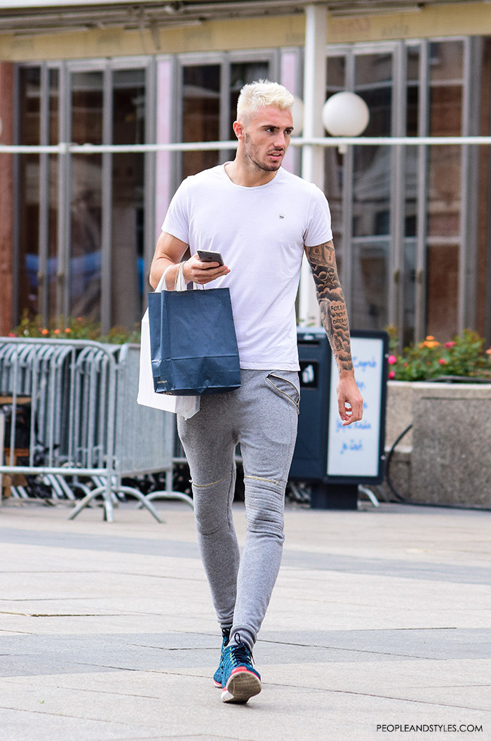 casual mens look grey joggers and cool sneakers � fashion