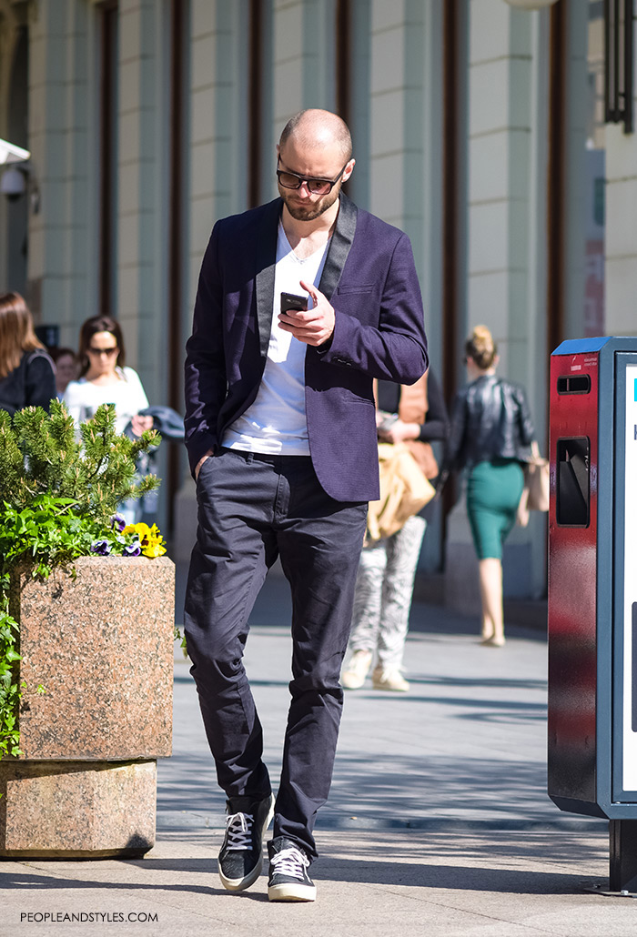 Best Style Men, mens styling, very nice looking and smart boys pictures best men style, latest gentleman fashion, mens stylish outfits, how to wear blazer, white tee and dark jeans for guys, mens daily casual style