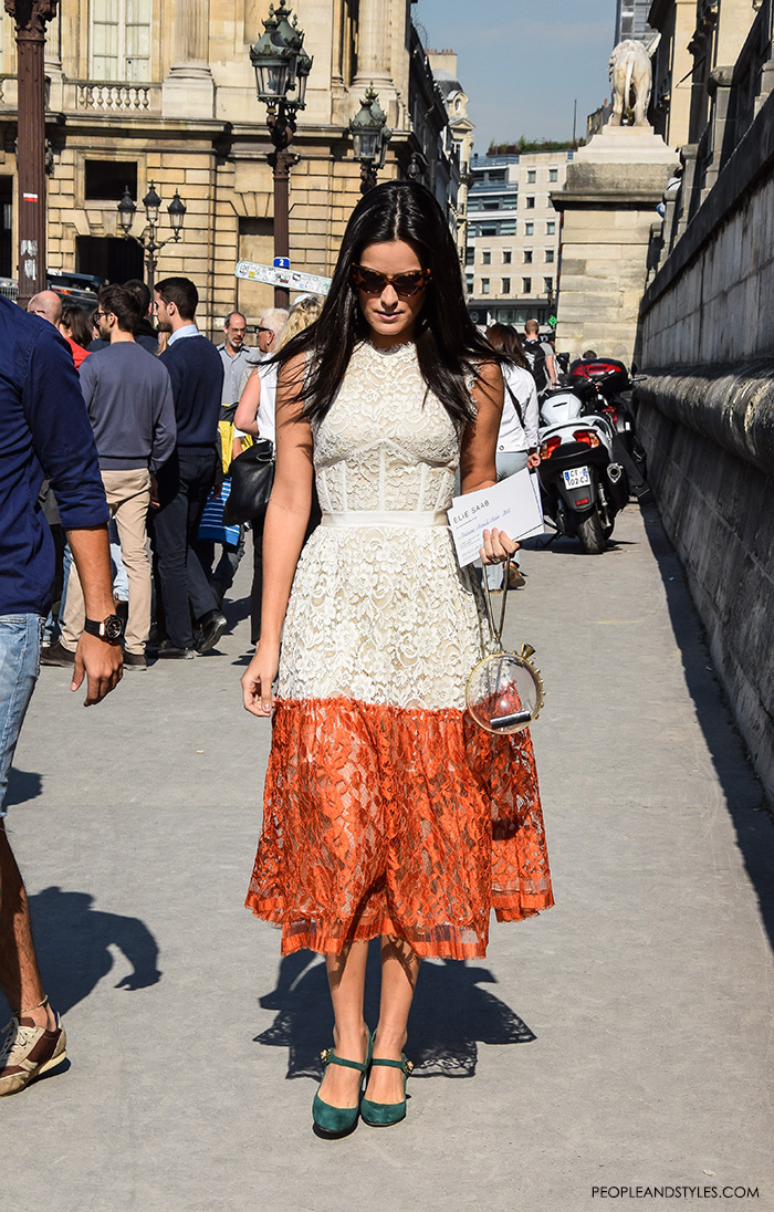 How to wear a lace dress brazilian blogger mariah bernardes maia Instagaram pfw Paris Fashion Week peopleandstyles