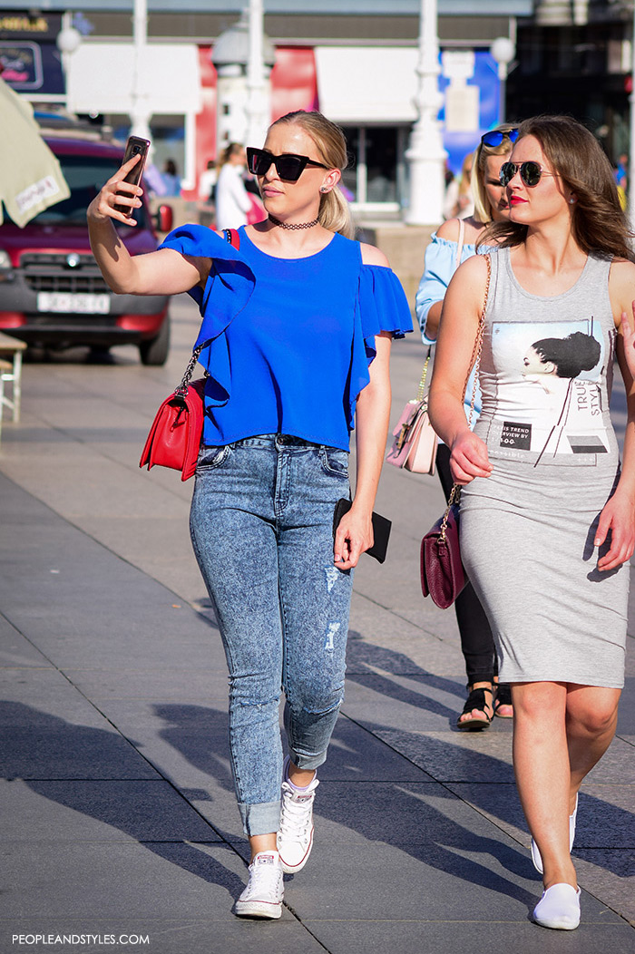 Street style summer women's fashion, how to wear off the shouldertop and acid washed jeans