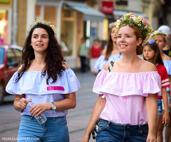 off shoulder with garlands top, off shoulder womens street style, summer best street style outfits for girls, Adorable street style look off the shoulder top and flower garland, women's summer fashion, images, Pinterest