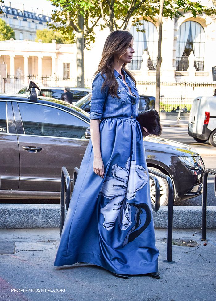 Christina Pitanguy street style look Stylish Pair: Lux Maxi Skirt and a Denim Shirt, how to wear lux maxi skirt denim shirt, paris street style fashion