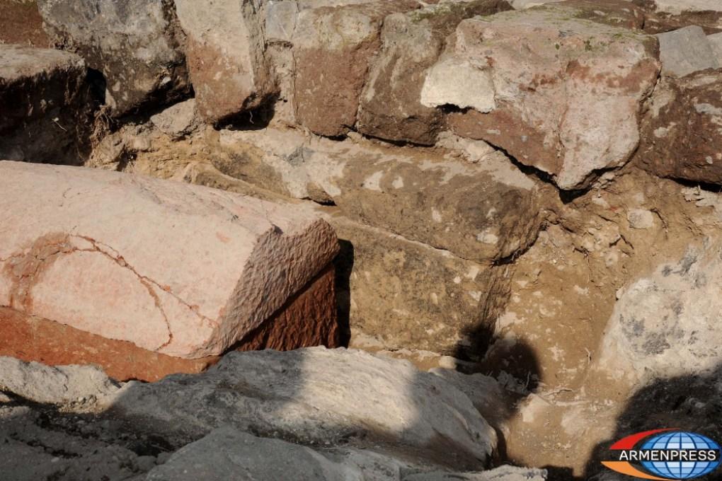 Artifacts at the royal Arsacid Armenian burial
