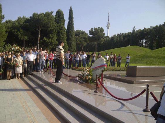 Axe murderer Ramil Safarov receives a hero's welcome in Azerbaijan