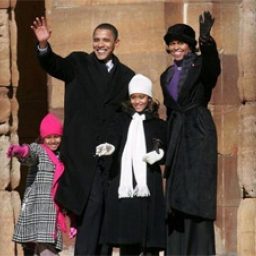 people-politico-obama-family-nov-2011