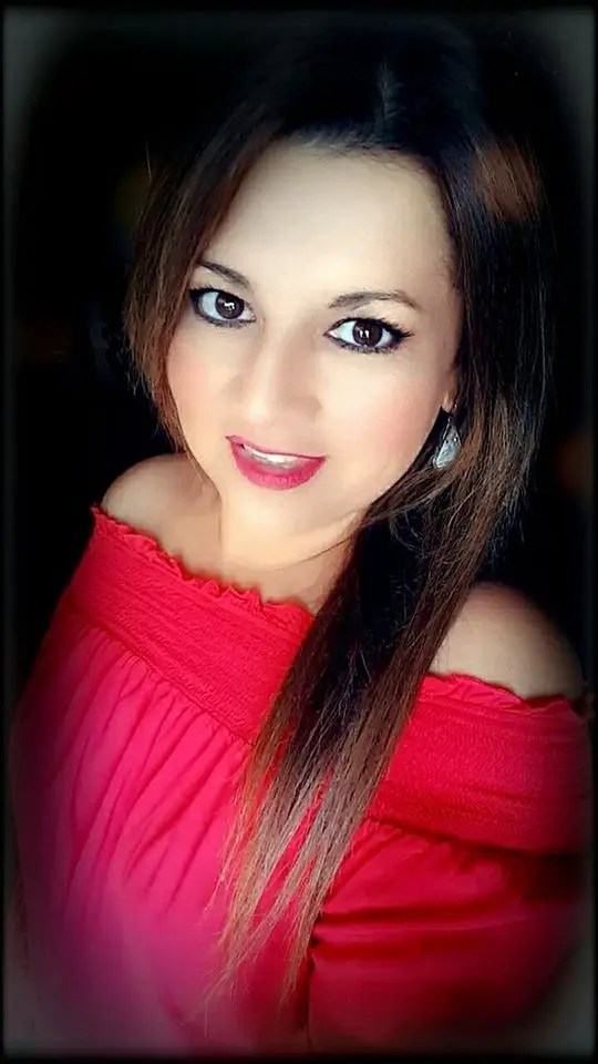 Patty Alaniz Headshot