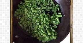 Beans mezhugupuratti-steps and procedures