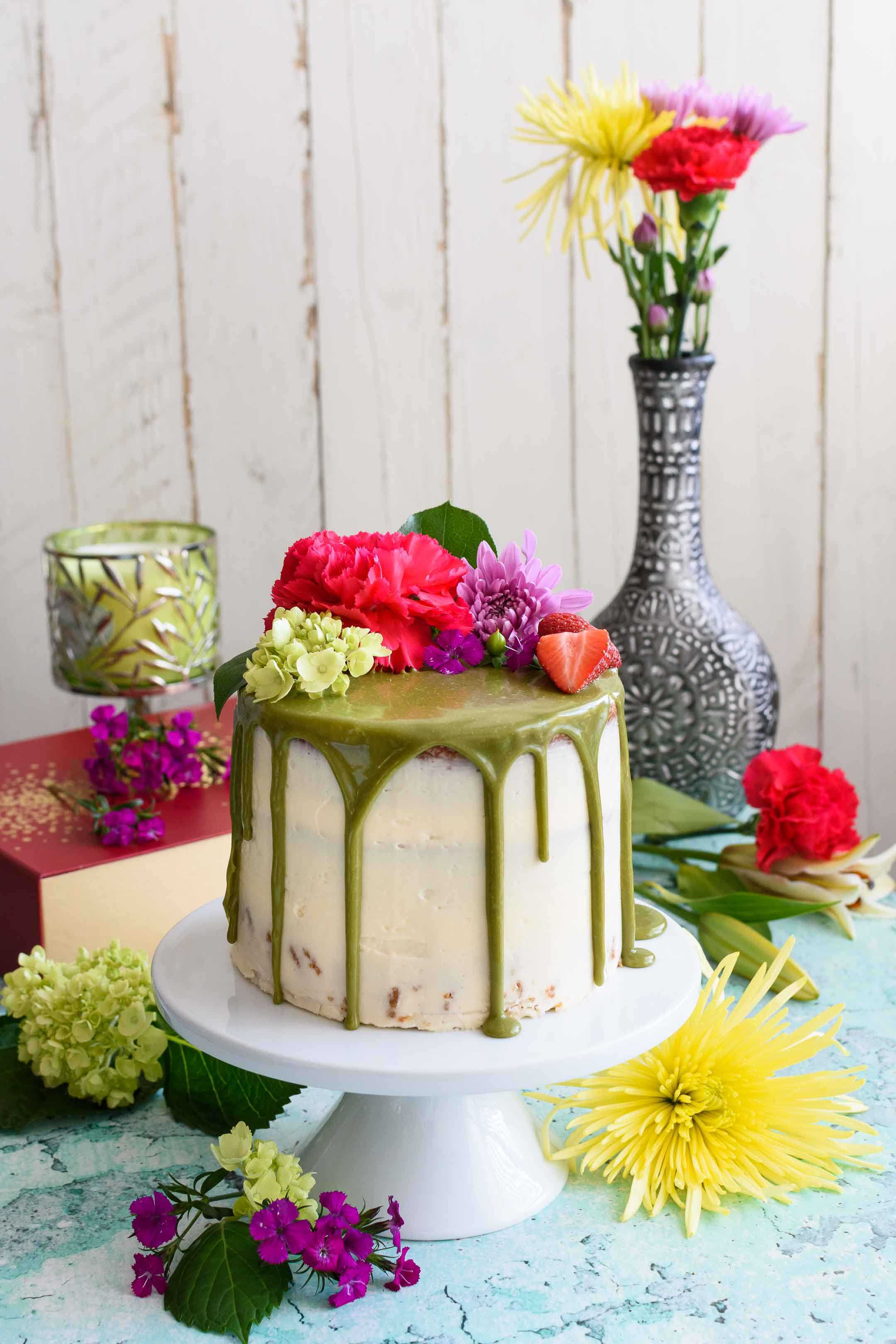 Cool Matcha Cake With Buttercream Frosting And White Chocolate Matcha Funny Birthday Cards Online Aboleapandamsfinfo
