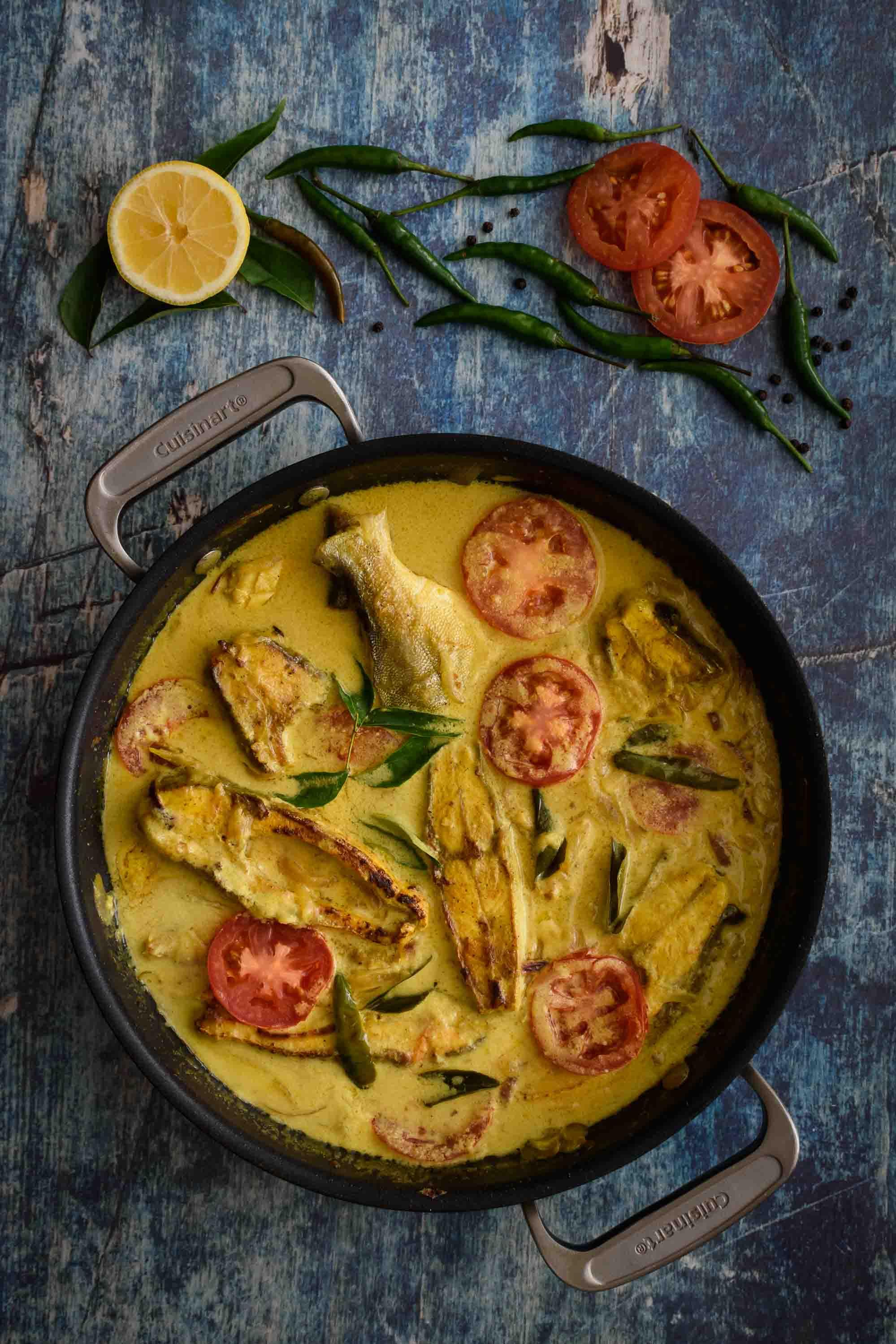 Fish Molly- Pepper Delight #pepperdelightblog #recipe #fishmolly #fishmolee #keralafood #keralastylefishcurry #nadanfood #indianrecipes #easter #meenmolly #christmas #seafood #fishrecipes #festivalrecipes #sidedish #fishmoilee #keralaeasterrecipes #fishstew