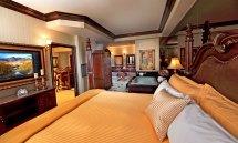 Peppermill Tower Luxury Suite Resort Hotel Reno