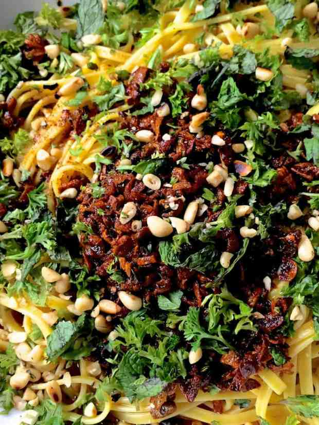 Toss the pasta in herbed spiced butter sauce_pepperonpizza.com