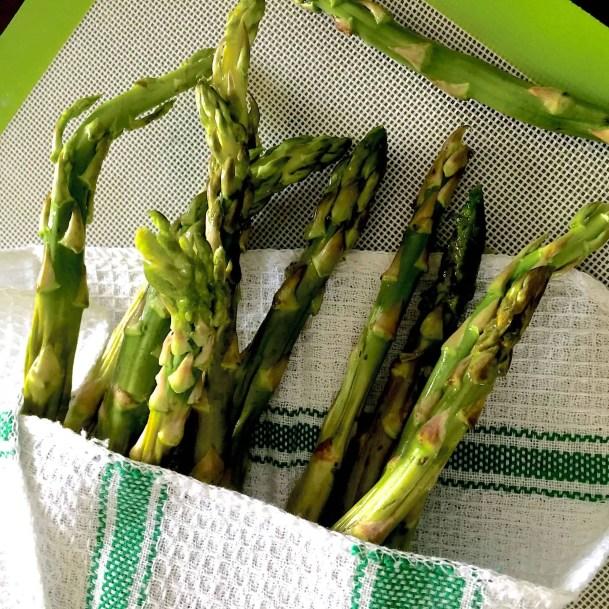 Asparagus_PepperOnPizza.com