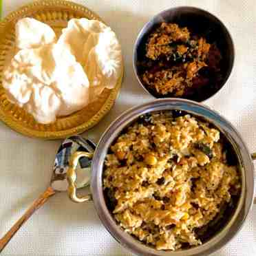 puliyodharai-spiced-tamarind-rice-made-from-pulikachal