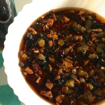 To soak fruits for Christmas fruit cake, pour the liquid till it covers the top of the fruits