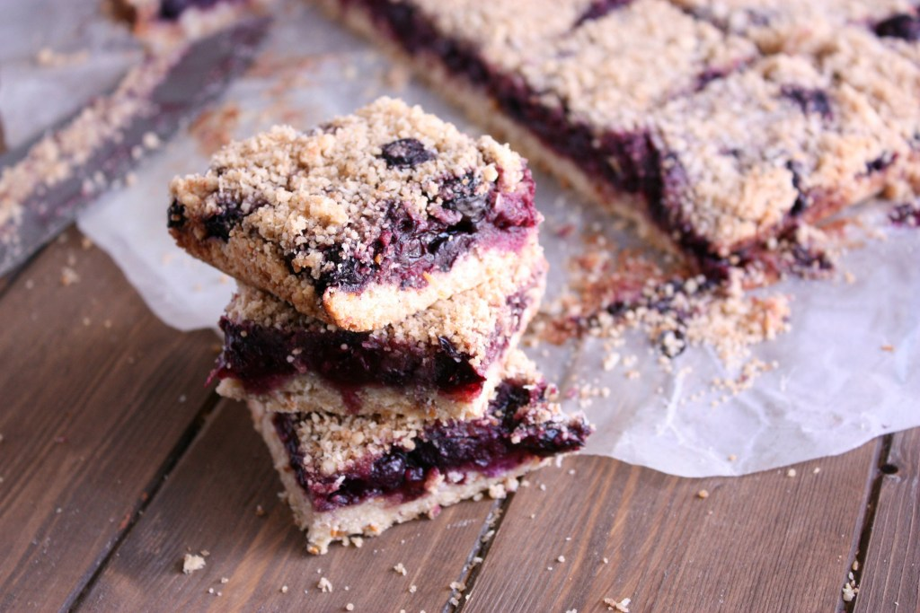 Berry Cherry Crumble Bars