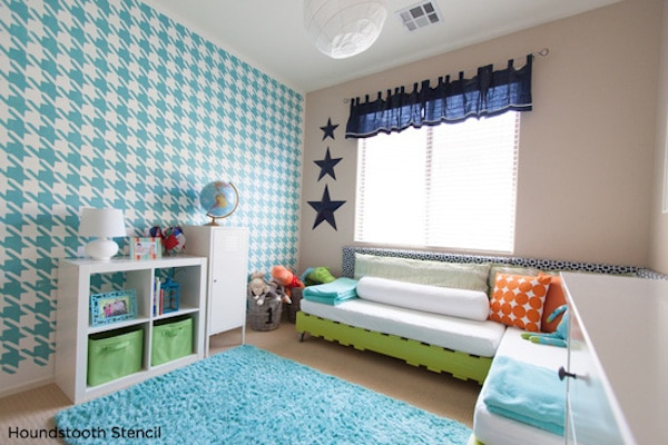 Decorar la habitacin infantil con stencil  Pequeociocom