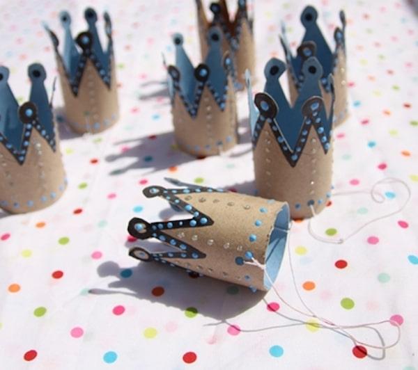 Coronas de princesa con rollos de papel