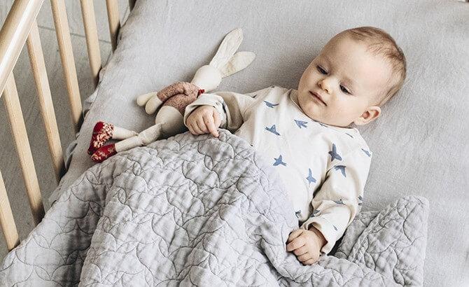 ropa de cama para bebé duerma bien