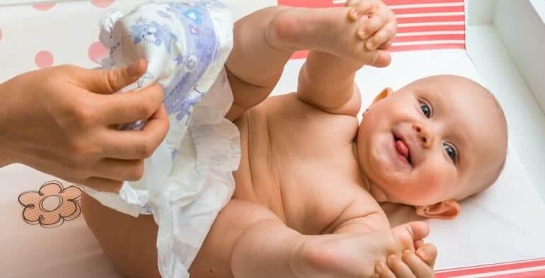 primera caca del bebé riesgos