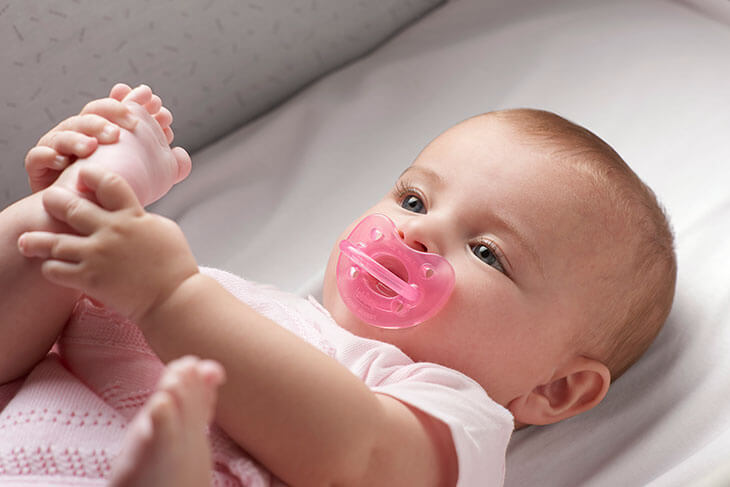 tranquilizar bebe recomendaciones chupete