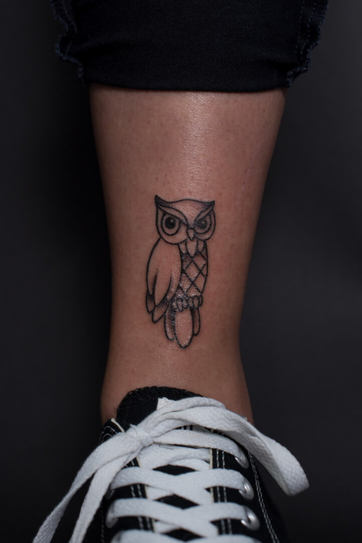 Hibou noir et blanc, petit tattoo hibou