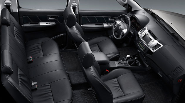 Toyota Hilux y SW4 con nuevo interior y equipamiento