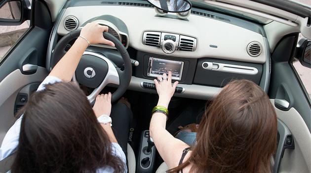 Mercedes-Benz y teneslugar.com