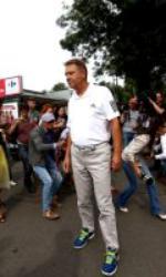 """Klaus Iohannis, plimbare cu bicicleta pentru a susține marșul """"Pedalăm pentru România"""""""