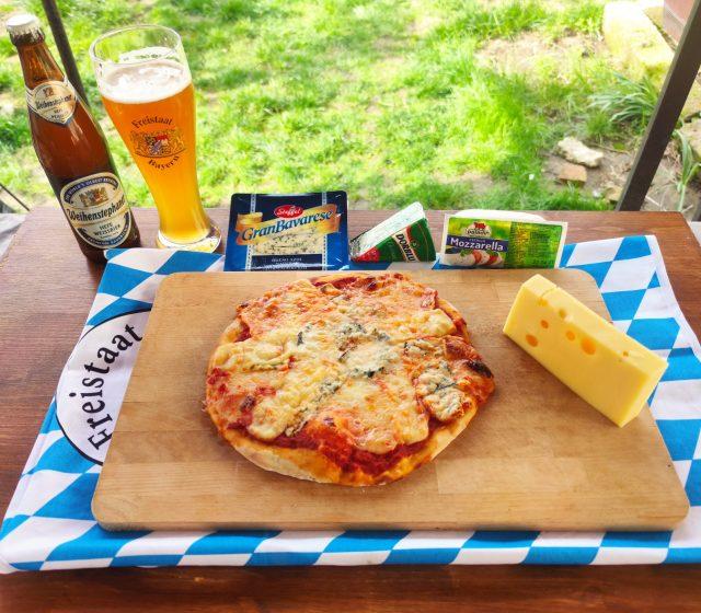Pizza cu 4 feluri de branza bavareza