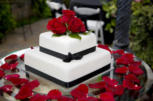 Red Black And White Wedding Cake Ideas Cakes Mix Magazine Pic