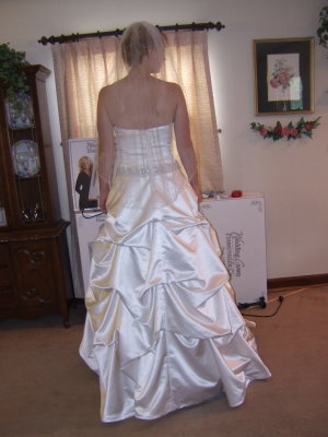 French Bustle Pictures And Wedding Dress Bustle Tips