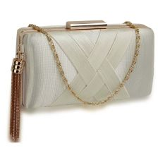 sophisticated golden chain clutch σε ivory