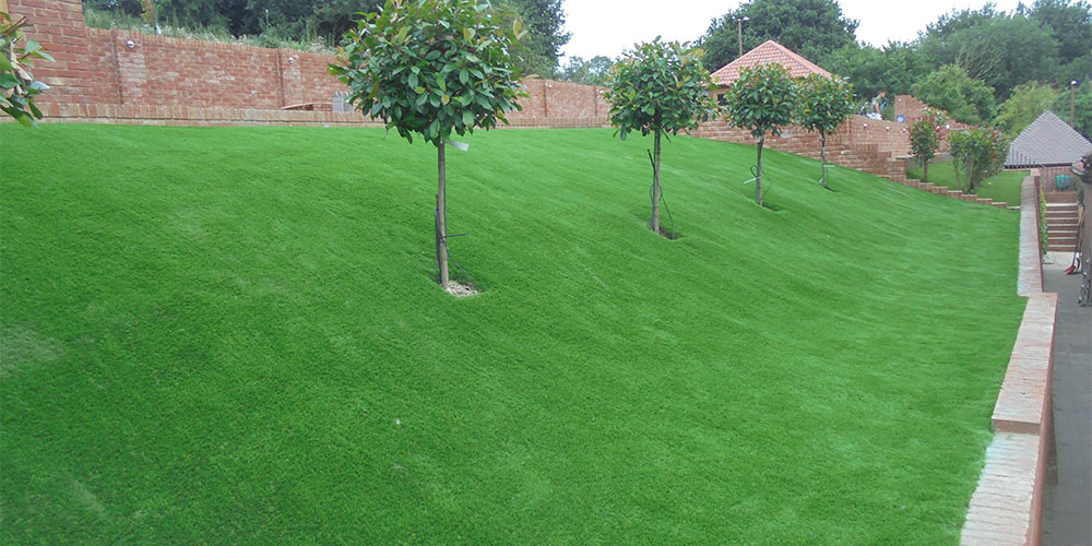 How to install artificial grass on a slope I Perfect Grass Ltd