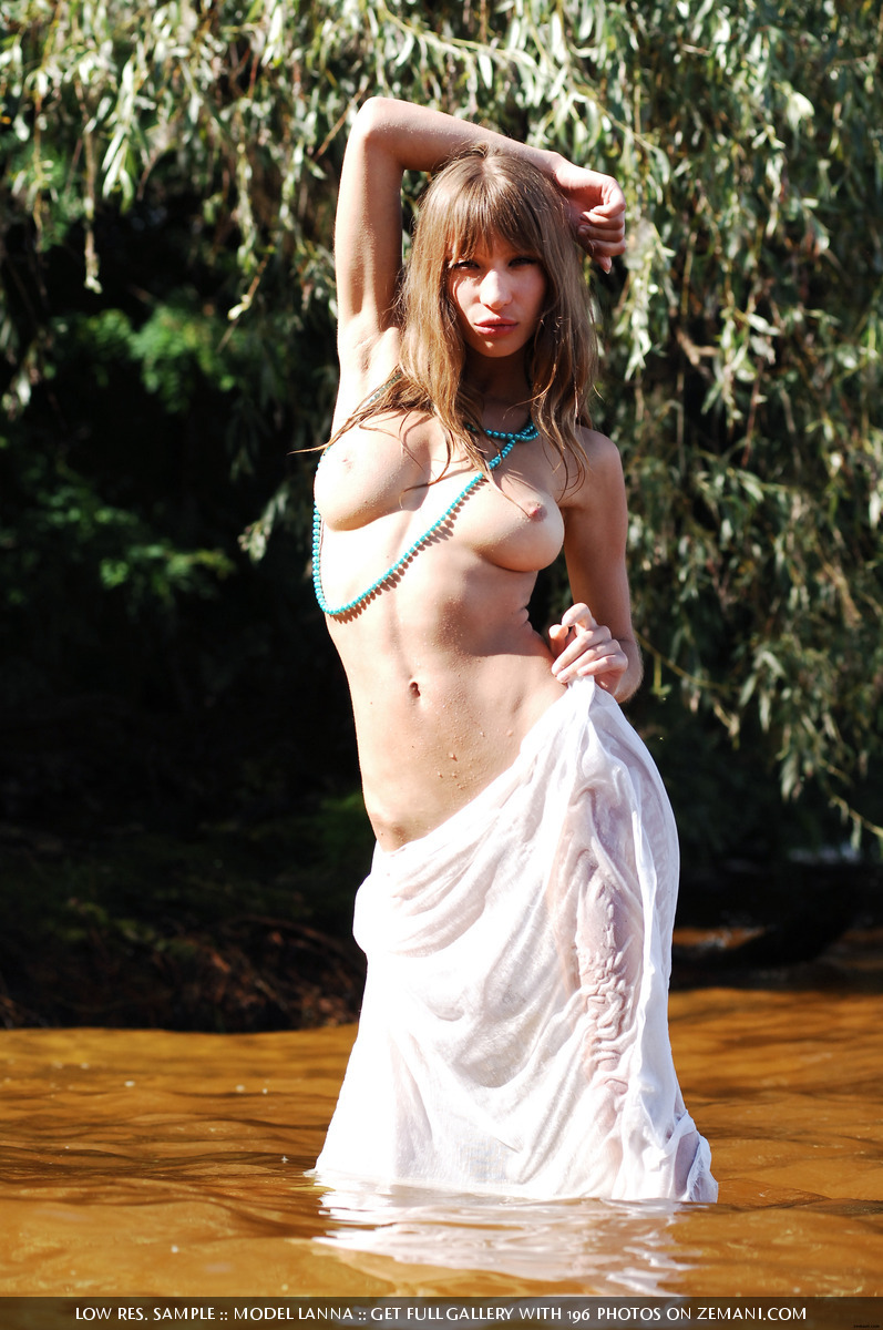 Natural Bombshell Gets Wet In Her Skimpy Dress
