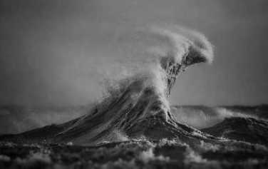 large-scary-waves-ocean-lake-erie-dave-sandford-13